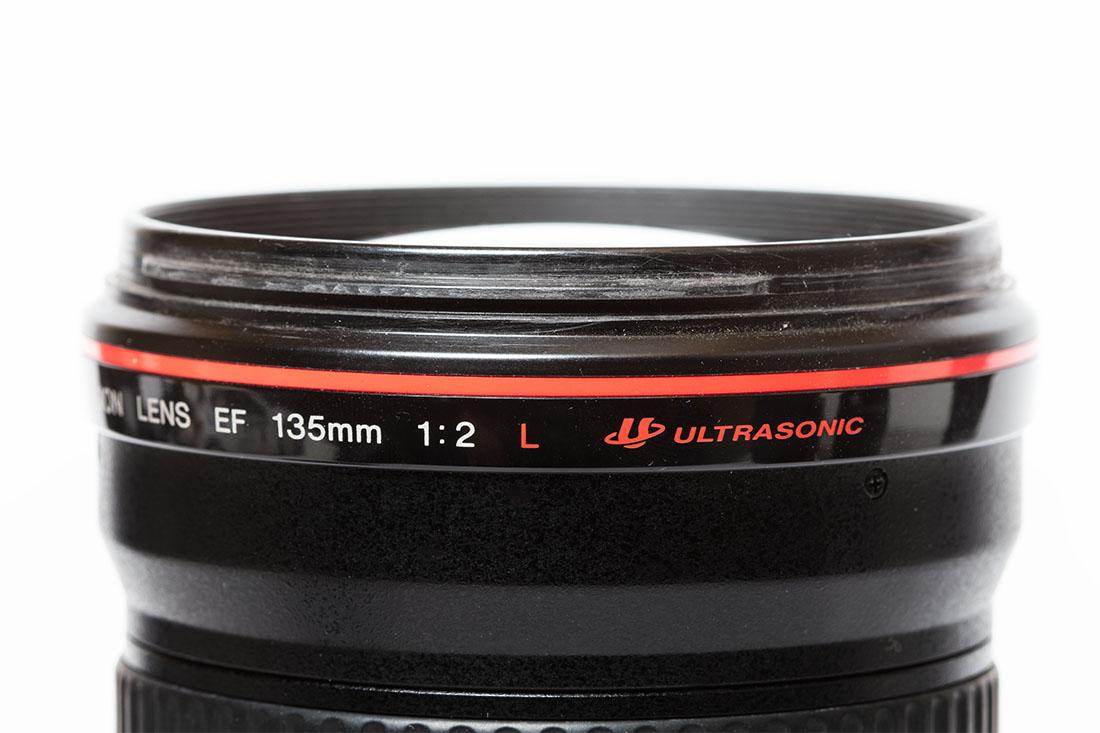 De L-aanduiding op een Canon Lens